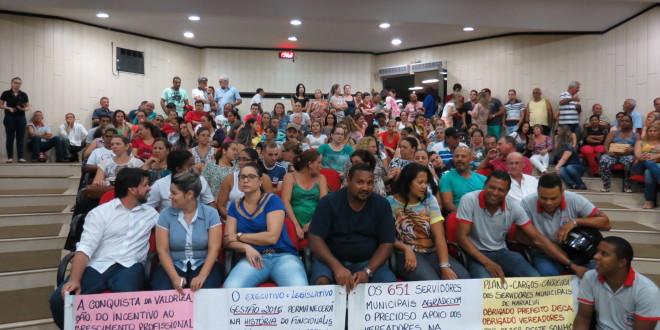Servidores Municipais Mostram União e Força na Ultima Sessão na Câmara Municipal de Marialva